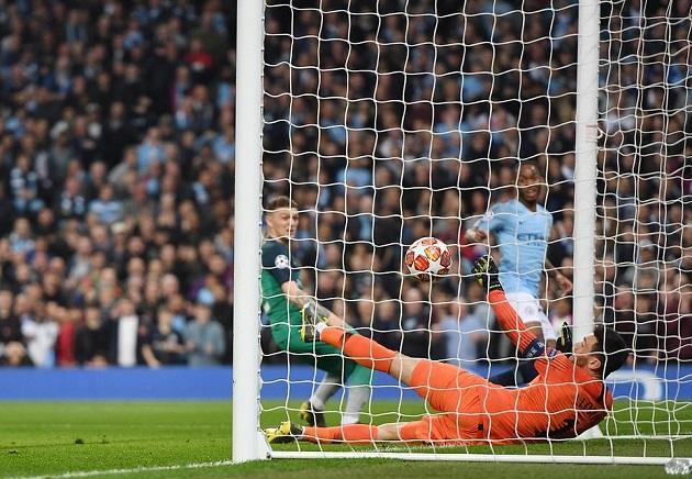 Người hùng châu Á khóc cạn nước mắt khi cùng Tottenham tạo nên kì tích - Bóng Đá