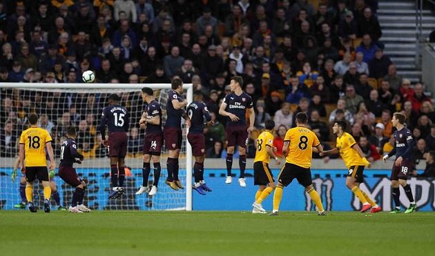 Thủ như mơ ngủ trước Wolves, Arsenal chính thức bay khỏi top 4 - Bóng Đá