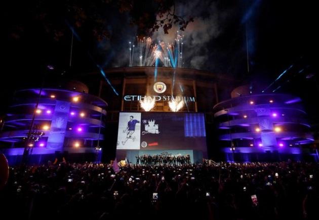 Lập chiến tích vẻ vang, Man City làm điều tuyệt vời tri ân CĐV - Bóng Đá