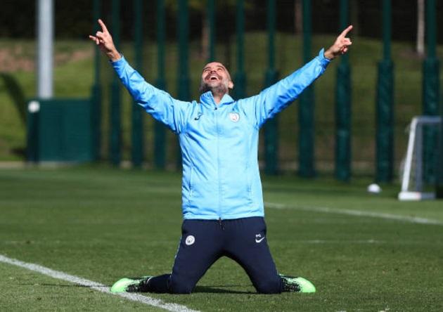 Chưa đấu Watford, Pep Guardiola đã tập ăn mừng chức vô địch - Bóng Đá