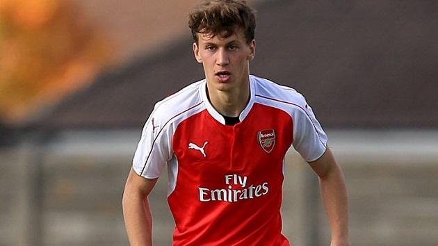 NÓNG: Trung vệ Arsenal nói lời phũ, Emery lại sắp mất người - Bóng Đá
