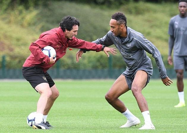 Chuyển nhượng Arsenal: Emery nhắm