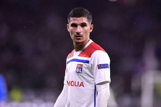 PSG quan tâm đến Houssem Aouar - Bóng Đá