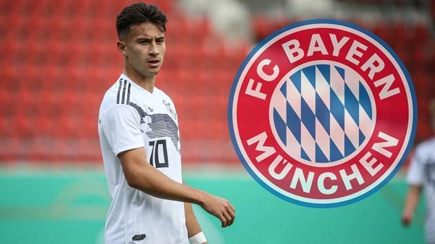 Bayern Munich sắp ký hợp đồng với Nicolas Kuhn từ Ajax - Bóng Đá