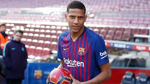 Report: Southampton want Barcelona defender Jean-Clair Todibo - Bóng Đá