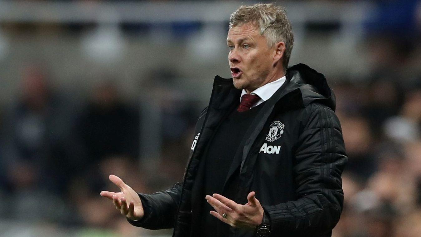Fred: Câu hỏi 52 triệu bảng nhưng không có lời giải - Bóng Đá
