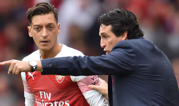 Emery happy with Ozil - Bóng Đá