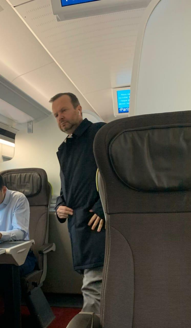 Ed Woodward on the way to Paris - Bóng Đá