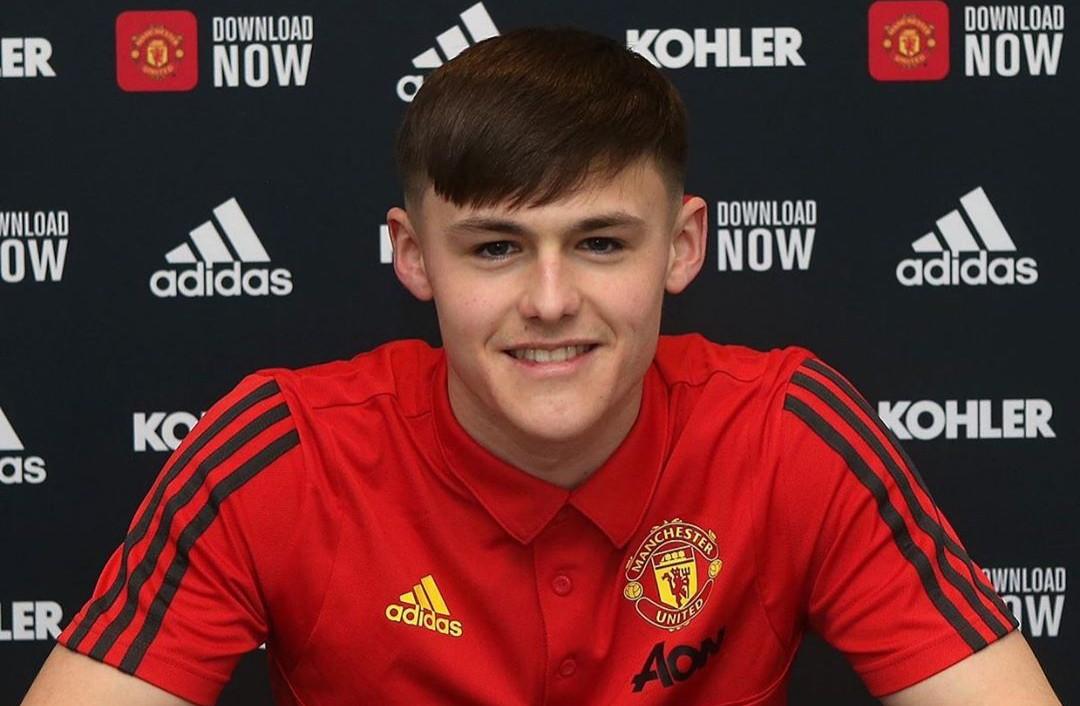 XONG! Man United ký hợp đồng với