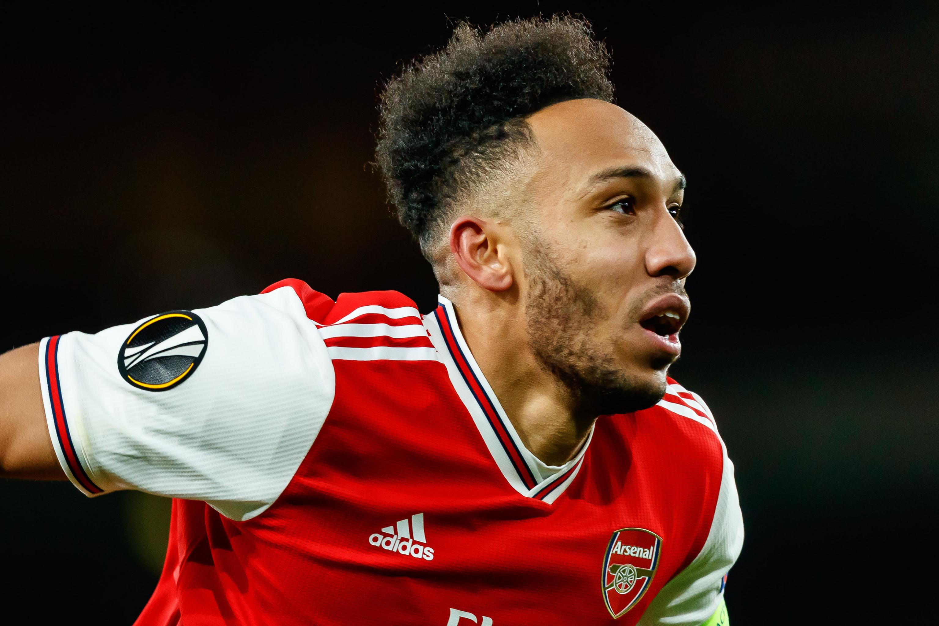 Man United fans react to aubameyang transfer - Bóng Đá