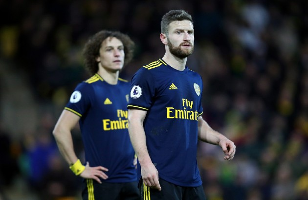 """Nc247info tổng hợp: """"Arsenal có 2 gã hậu vệ vô dụng"""""""