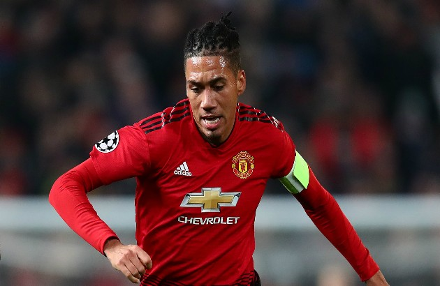 Man United close to agree 16m deal for smalling - Bóng Đá