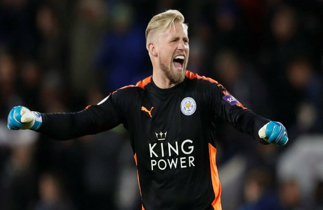 Bischoff urges Man Utd to sign Schmeichel  - Bóng Đá