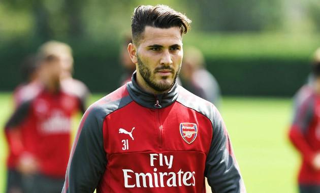 Arsenal in talks with Bayer Leverkusen for Kolasinac  - Bóng Đá