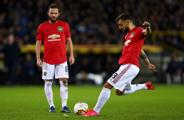 Bruno Fernandes names three Manchester United players he loves playing alongside - Bóng Đá