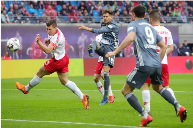 Đội nhà lỡ cơ hội vô địch, người Bayern chỉ trích VAR cực nặng nề - Bóng Đá