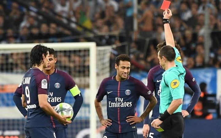 Neymar bị tước băng thủ quân: Một bất ngờ hợp lý! - Bóng Đá
