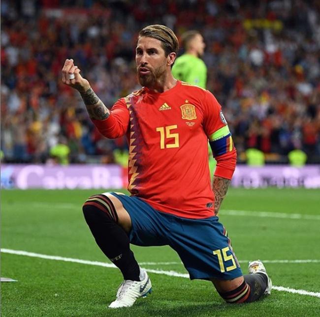 Ramos ghi bàn khủng - Bóng Đá