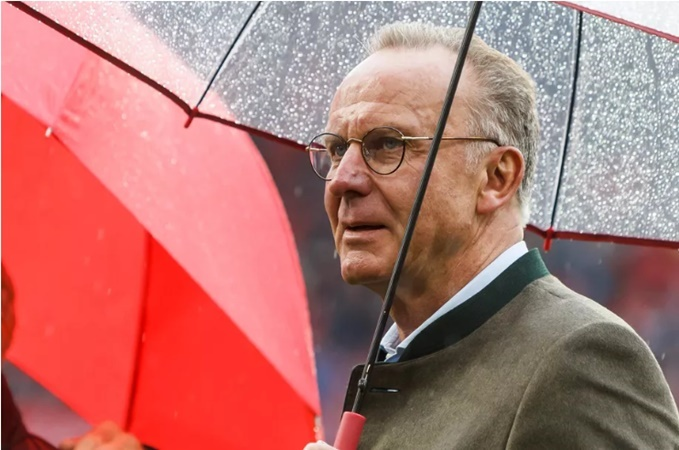 Sếp lớn Bayern phá vỡ im lặng về vấn đề chuyển nhượng tại đội bóng - Bóng Đá