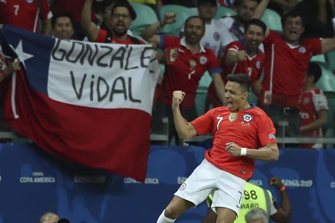 HLV Chile nói về Sanchez: