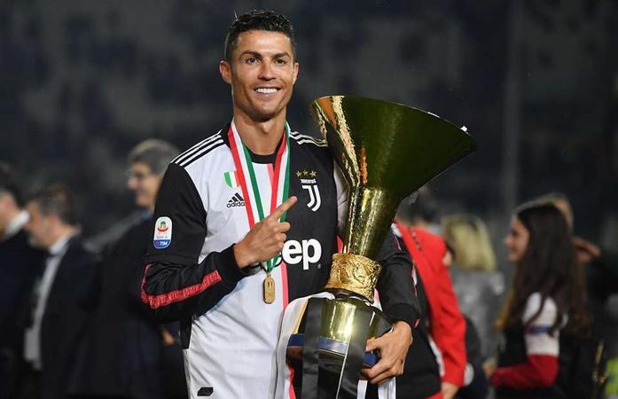 Sarri dùng Ronaldo ở vai trò false nine - Bóng Đá