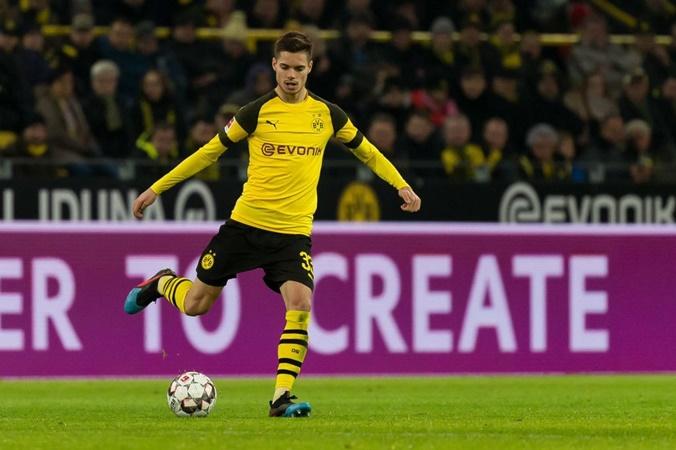 Dortmund muốn bán Weigl - Bóng Đá
