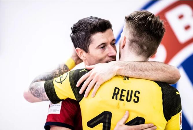 Robert Lewandowski's agent throws shade at Marco Reus - Bóng Đá