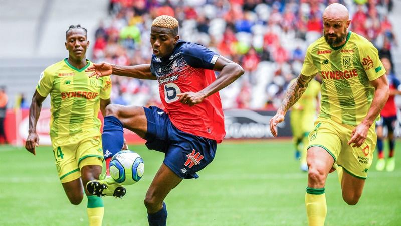 Osimhen có màn ra mắt Lille cực hoàn hảo.