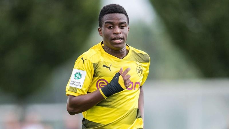 Moukoko: Dortmund offer 'new Eto'o' bumper deal - Bóng Đá