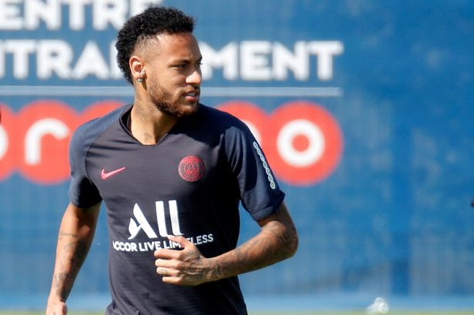 Cesc Fabregas makes Neymar prediction after failed PSG transfer - Bóng Đá