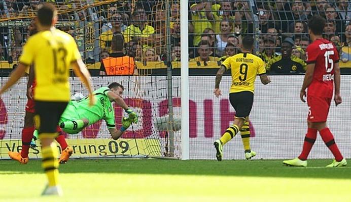 Chân sút hàng đầu tại Bundesliga: Lewandowski hay Alcacer hay hơn? - Bóng Đá