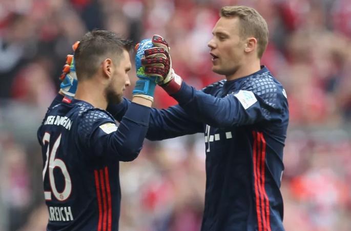 Goalkeepers union: Sven Ulreich backs Manuel Neuer in ter Stegen row - Bóng Đá