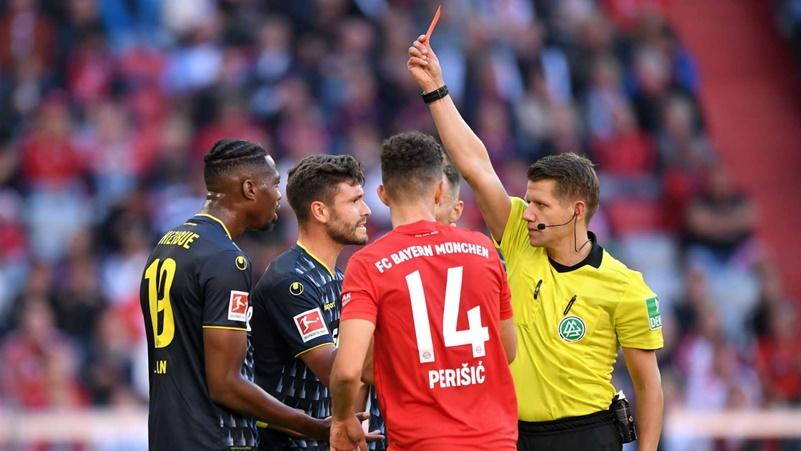 """Tức tối vì trận thua, sếp lớn Cologne """"cà khịa"""" trọng tài lẫn Bayern - Bóng Đá"""