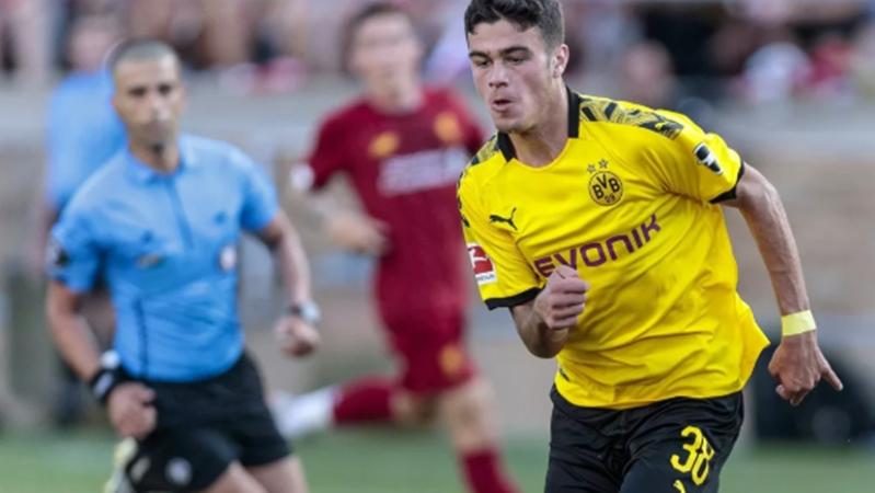 Trả đòn Dortmund vụ Sancho, Manchester City ủ mưu cướp