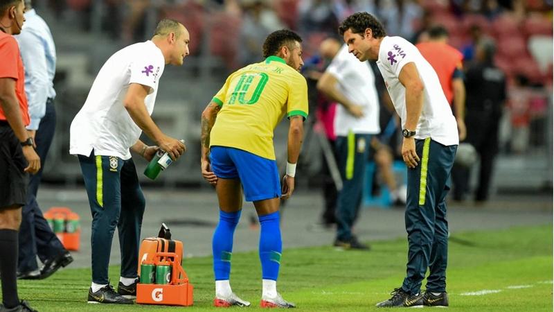 Neymar chấn thương, NHM bùng nổ dữ dội trên Twitter - Bóng Đá