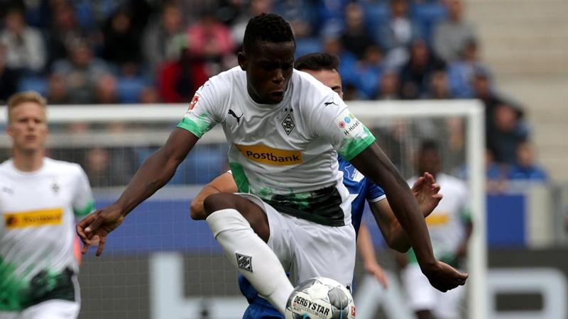 Man Utd paired with interest in €50m+ rated Bundesliga midfield Denis Zakaria - Bóng Đá