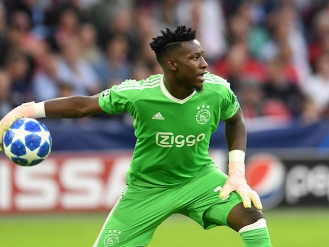 PSG Were in Contact with Ajax Goalkeeper over the Summer - Bóng Đá