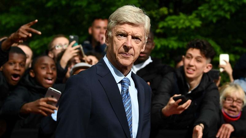 NÓNG! CEO Bayern phá vỡ im lặng về Wenger - Bóng Đá