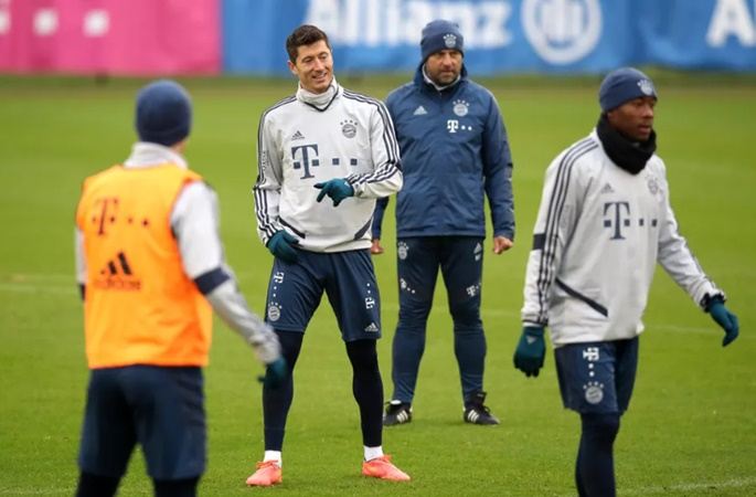 Robert Lewandowski backs Hansi Flick to finish season as Bayern Munich manager - Bóng Đá