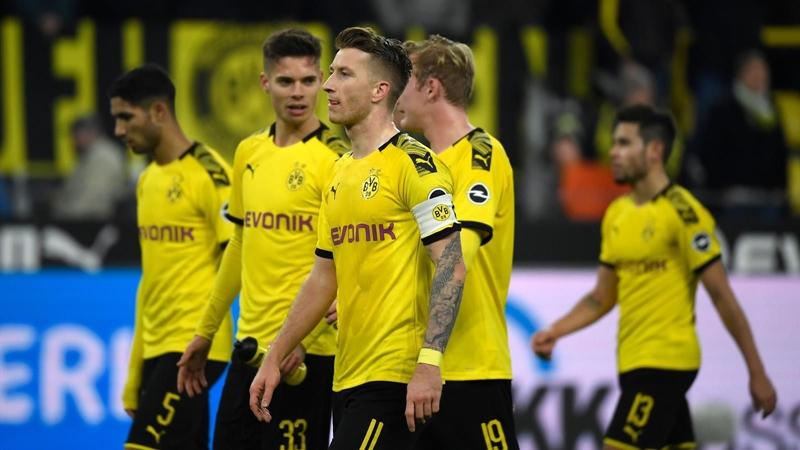 Vì sao Dortmund dễ dàng để cho đội bóng tí hon Paderbon sút tung lưới 3 lần trong hiệp 1? - Bóng Đá