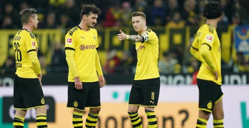 Hòa như thua, NHM Dortmund điên tiết: