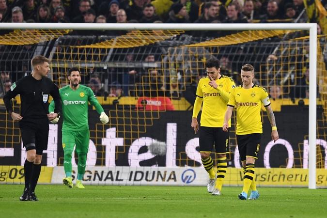 Dortmund hòa như thua,