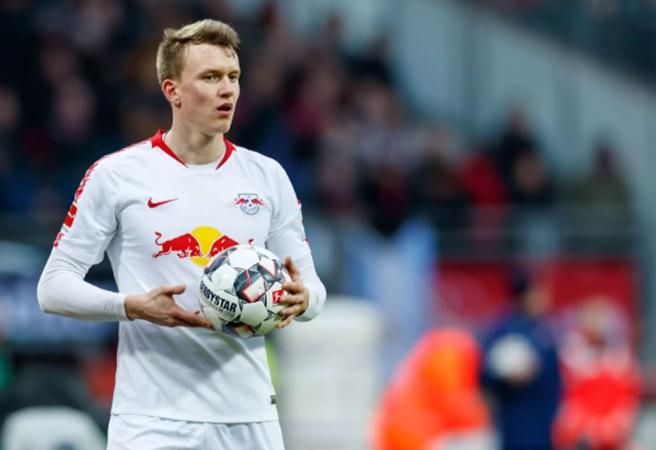 Valverde wants to sign Lukas Klostermann - Bóng Đá