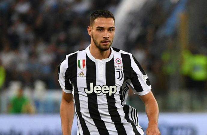PSG haven't given up on Juventus full back Mattia De Sciglio - Bóng Đá