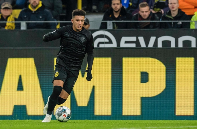 Borussia Dortmund's all-black birthday suit sells out in under three hours - Bóng Đá