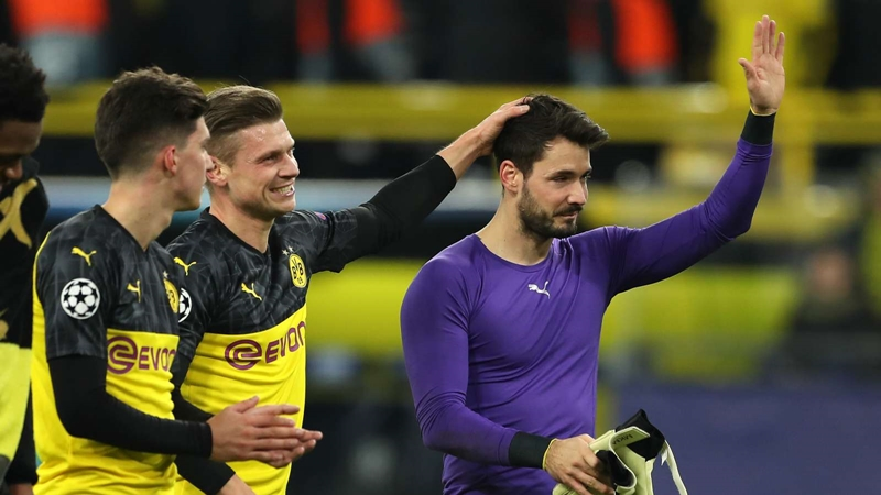 Dortmund coach Favre praises Burki after 'crazy' Champions League match - Bóng Đá