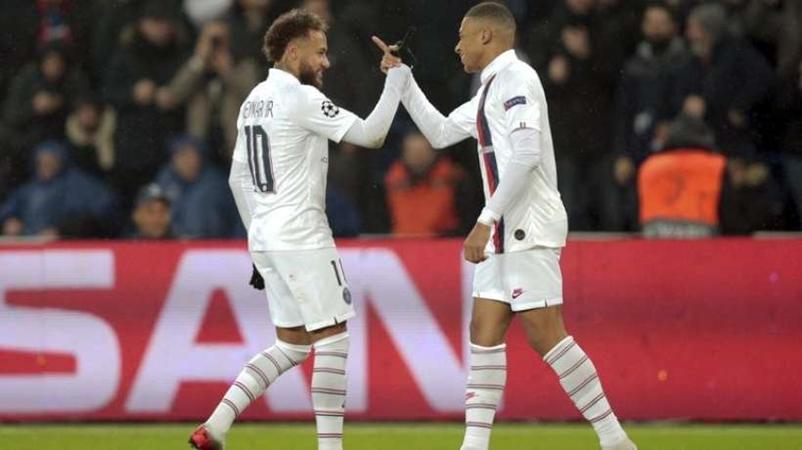 Sau 2 năm, Neymar mới đáp lễ Cavani, NHM PSG xoa tay hài lòng - Bóng Đá