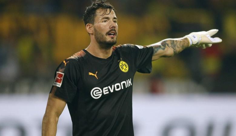 Burki và Neuer cùng lúc muốn gia hạn hợp đồng với câu lạc bộ chủ quản - Bóng Đá