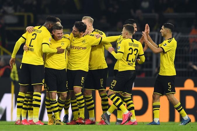 Thấy gì về sự bùng nổ của hàng công Dortmund - Bóng Đá