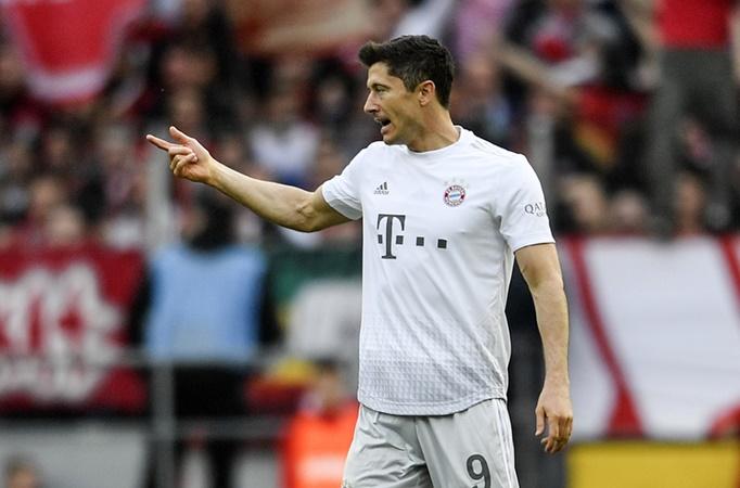 Robert Lewandowski equals Gerd Muller's Bundesliga record and eyes even more history - Bóng Đá